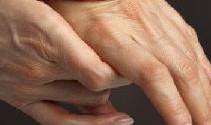 Что делать, если болят суставы пальцев рук: причины и лечение