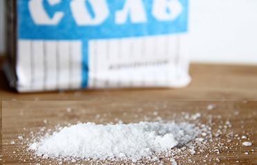 Промывание носа солью