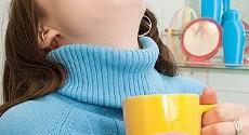 Полоскание горла при ангине — чем эффективней полоскать горло?