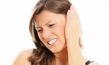 Почему закладывает уши лечение
